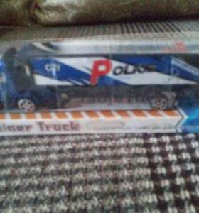 Машинка игрушечная полицейская в упаковке