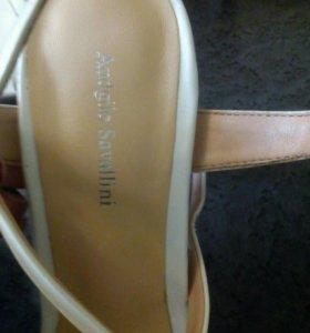 Италянские туфли из натуральной кожи.