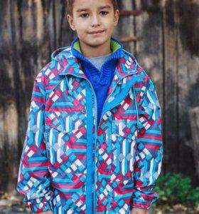 Ветровка новая для мальчика (размер 134)