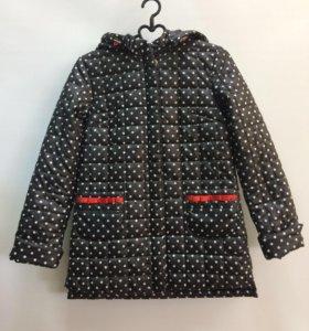 Куртка новая для девочки (размер 152)