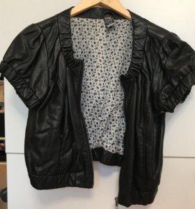 Курточка коротенькая искусственная