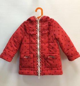 Куртка новая для девочки (размер 98)