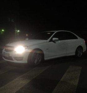 Автомобиль Mercedes-Benz C 1.8