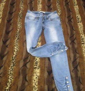 2 пары джинс