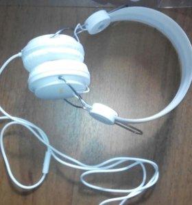 Наушники для телефона белые
