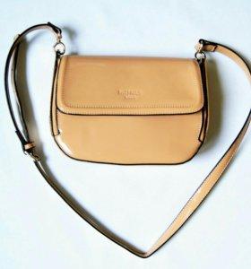 Новая лакированная сумочка