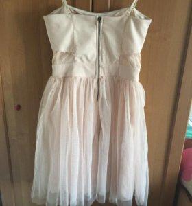 Очень красивое платье с пышной юбкой