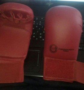 Кикбоксенк перчатки