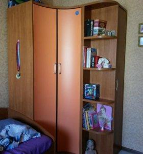 Шкаф угловой с пеналом
