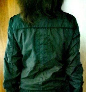 Курточка - ветровка 👀.