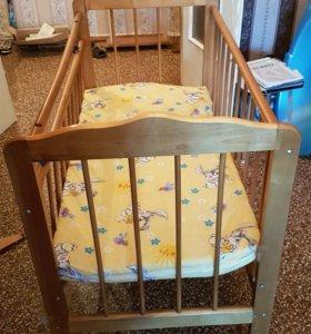 Кровать детская с матрацом