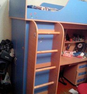 Кровать со шкафом и столом плюс тумбочка