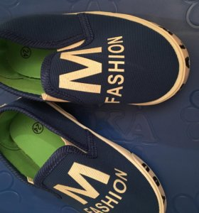 Детская новая обувь