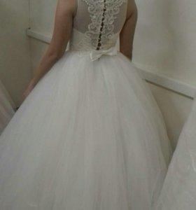 Прокат свадебных платьев, туфлей, короны