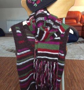 Жилет с шапкой и шарфом