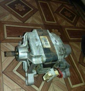Мотор от стиральной машины канди.