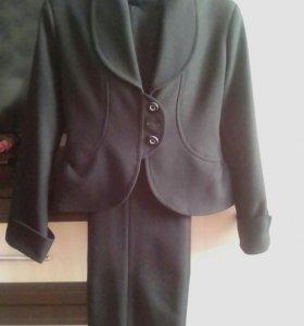 Школьный костюм для девочек.