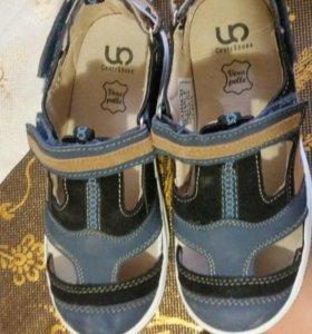 Продаю новые сандали для мальчика