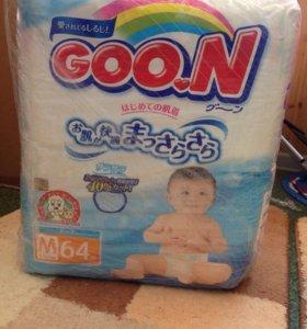 Одноразовые подгузники для детей Goon, М 64 шт