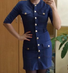 Джинсовое платье в отличном состоянии. 42 размера