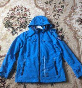 Куртка на подростка в отличном состоянии