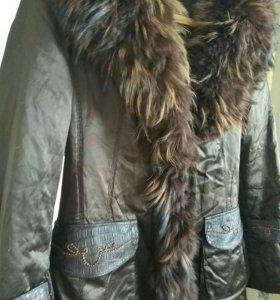 Пальто зимнее на кролике с песцом