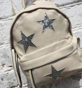 Рюкзак из нат кожи со звездами