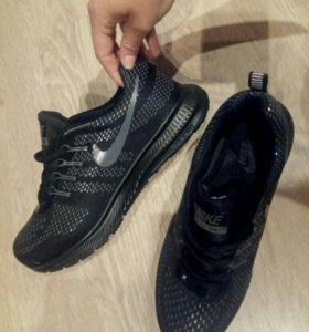 Новые мужские кросовки