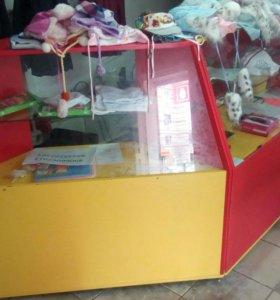 Торговое оборудование, стойки витрина и шкаф