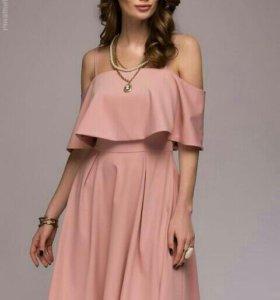 Платье новое M,XL