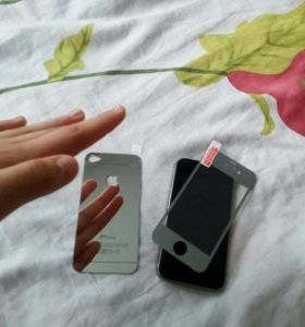 Зеркальные защитные стёкла на IPhone 4 (s).