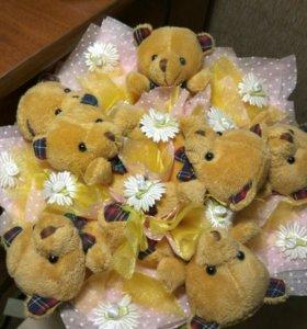 Букет детский с мишками (7 штук на букете)