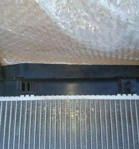 Радиатор охлаждения двигателя Toyota Corolla