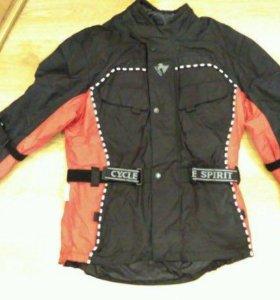 # Мембранная защитная мото-куртка Сyсle Sрirit