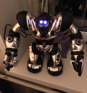Робот Robosapien 8083+пульт ДУ