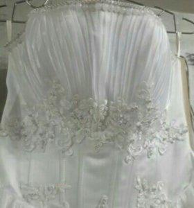 Свадебное платье и аксессуары в подарок