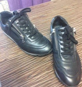 Кожаные кроссовки ботинки