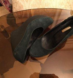 Туфли замш зеленого цвета