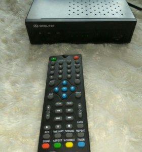 Приставка для ТВ ORIEL 930