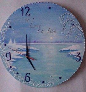 Часы ручной работы, выполнены акриловыми красками