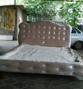 Кровати на заказ. Массив.