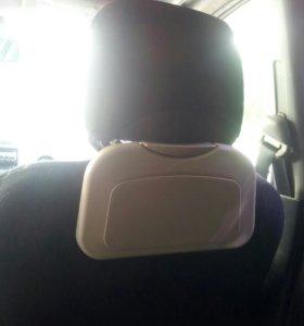 Полочка для задних пассажиров