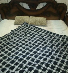 Кровать,комод, две тумбы