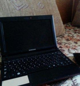 Нэтбук Samsung NP-N150 с мышкой