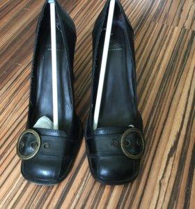 Продам туфли TJ Collection размер 37,5