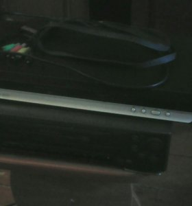 DVD плеер и видеомагнитофон VHS
