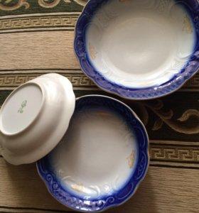 Набор тарелок с салатником