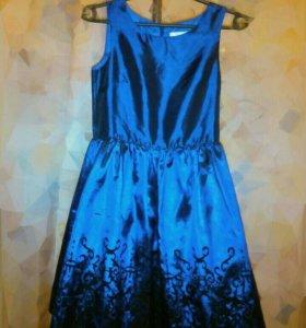 Платье д/девочки, рост 152