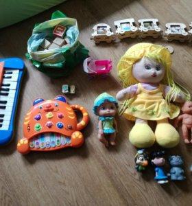 Куклы, два пианино — игрушки пакетом