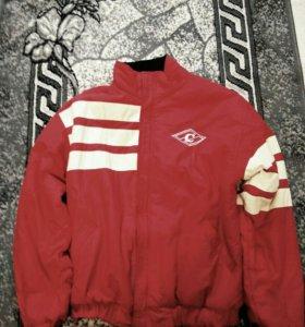 Куртка спортивная двусторонняя.